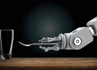 robot-with-spoon